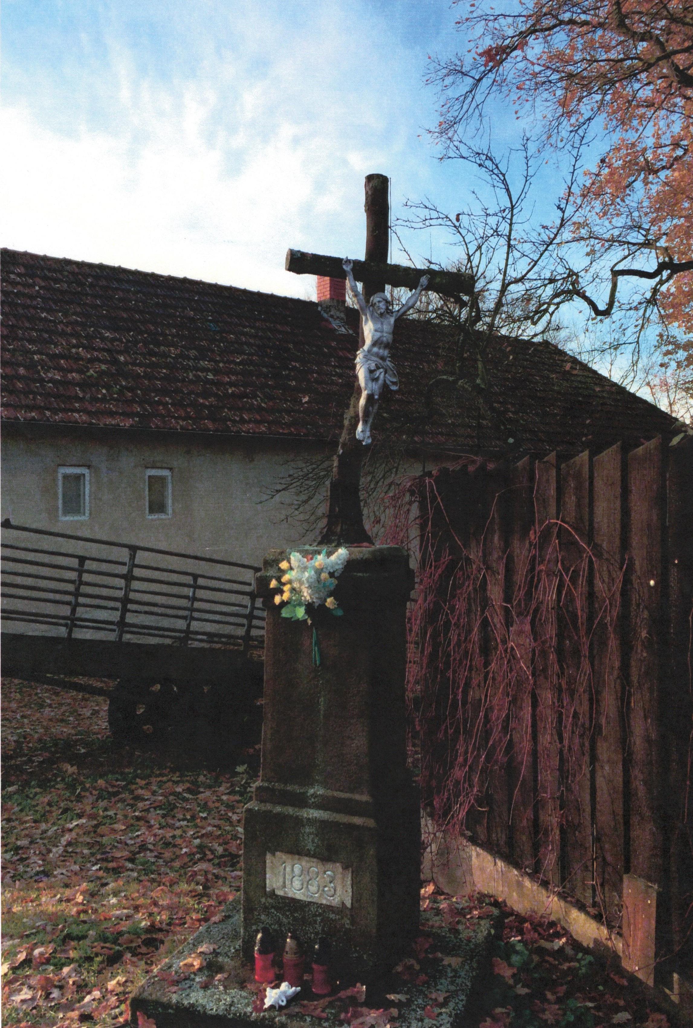 Kříž-na-návsi