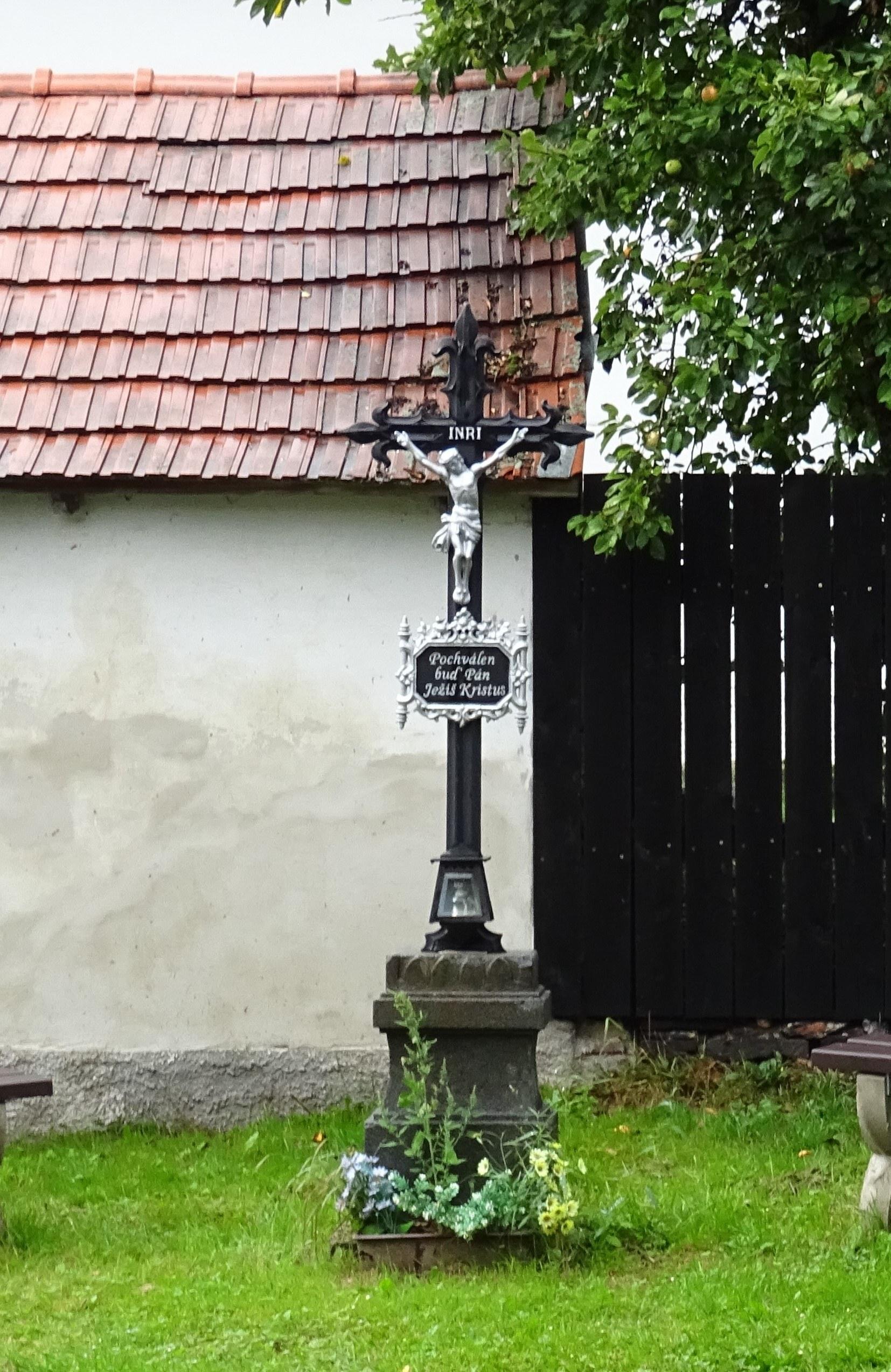křížek-4